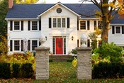 Curb Appeal Landscaping: Adding Glamour To Your Front Yard